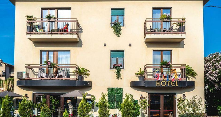 B City Hotel Bardolino Bardolino Italy